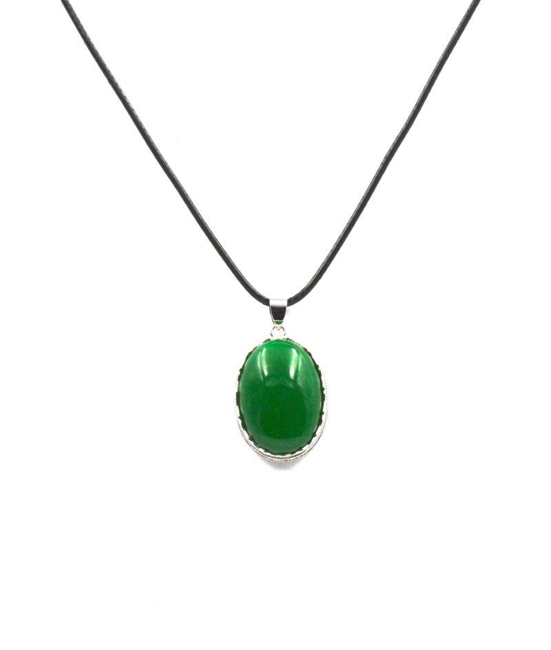 Smaragdni žad obesek- OVAL