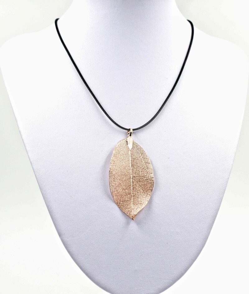 List - svetlo zlat