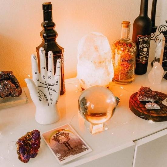 UROKI IN ČRNA MAGIJA – Kako vemo ali smo pod vplivom škodljivih urokov ali črne magije??