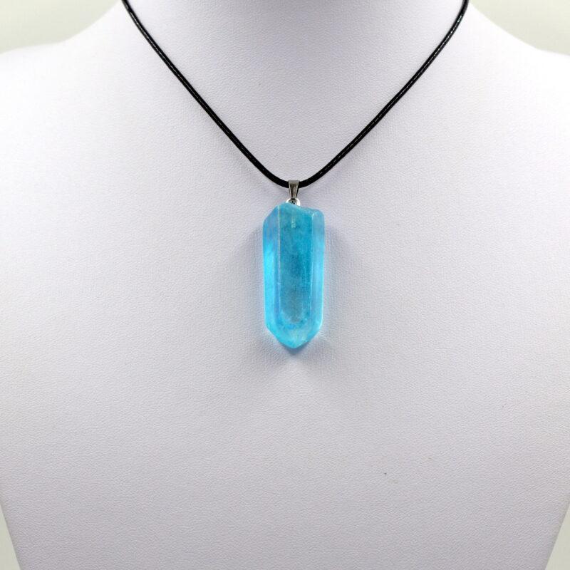 Aqua aura - obesek surovi kristal
